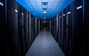reu-server-640x400